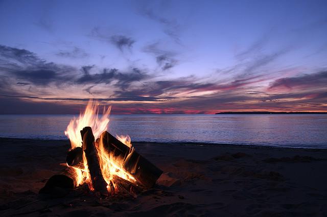 The_beach_campfire