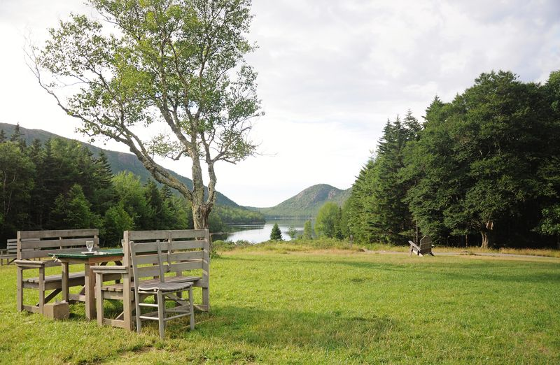 Jordan pond table